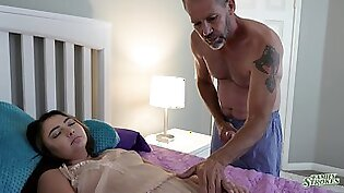 Mindi Mink caught her stepdad playing with her used panties
